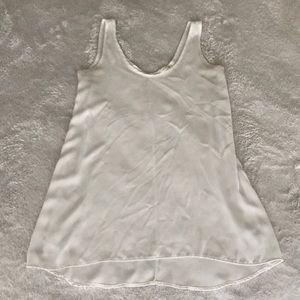 Flowy, white tank top